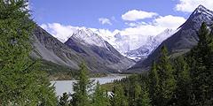 Все больше туристов приезжает на Алтай