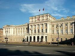 Туроператоры СЗФО ожидают роста въездного туризма в 2012 г в Петербург на 10%