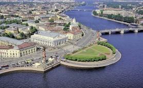 Петербург интересует туристов втрое больше Москвы