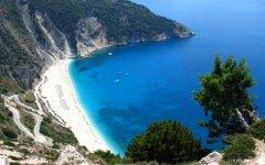 Российские туристы помогут Греции справиться с кризисом