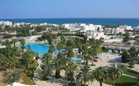 Тунис в прошлом году потерял треть доходов своего туристического рынка