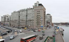 Иностранных туристов в Москве в первую очередь интересует советская архитектура