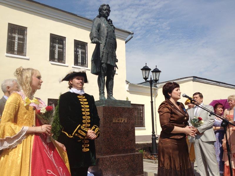 В Гагарине открыт памятник Петру Великому
