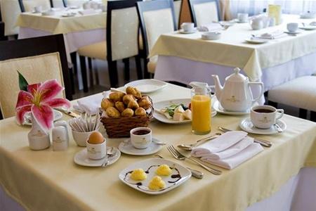 Отели США все чаще предлагают бесплатные завтраки