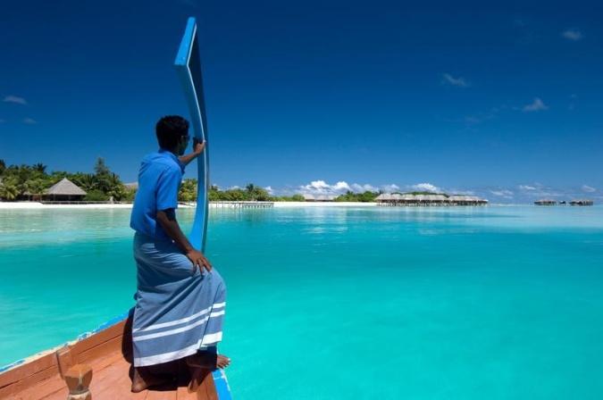 Курорт Conrad Maldives Rangali Island предлагает встретить Новый Год с китовыми акулами