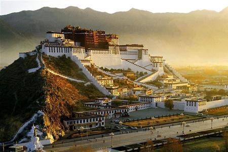 Тибет намерен наращивать турпоток