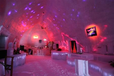 Ледяной отель строят в Румынии
