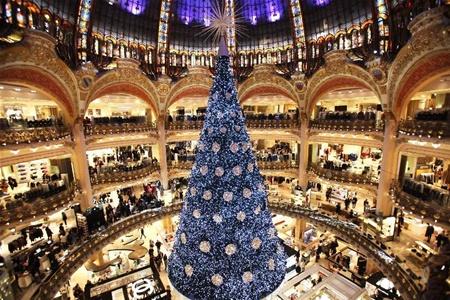 Магазины Парижа открыты по воскресеньям