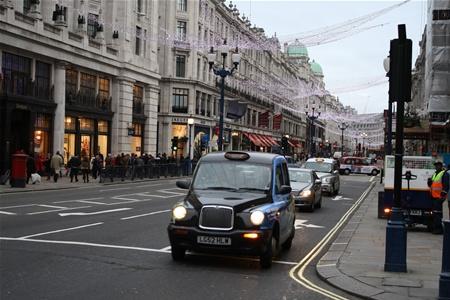 Бесплатный интернет появится в такси Лондона