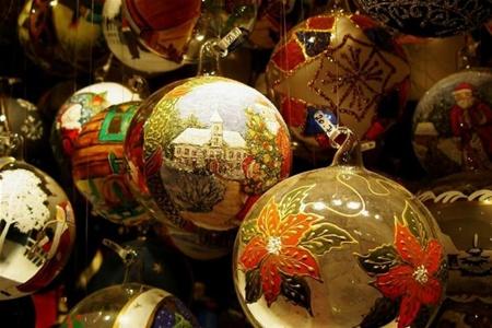 Выставка елочных игрушек по мотивам сказок пройдет в Москве