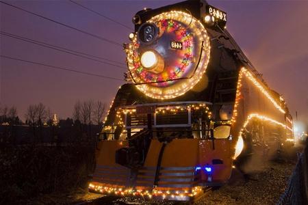 В Белоруссии можно совершить экскурсию на поезде в резиденцию Деда Мороза