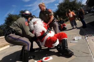 Санта-Клауса арестовали на глазах у туристов