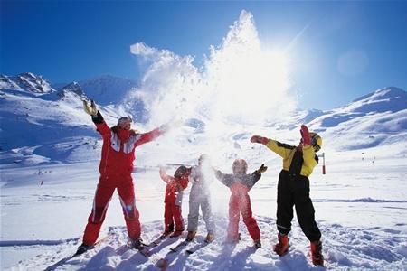 Зимние курорты Европы завалены снегом