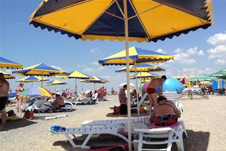 С крымских пляжей уберут заборы и ларьки