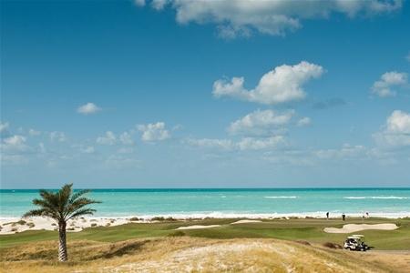 Еще один общественный пляж появился в Абу-Даби