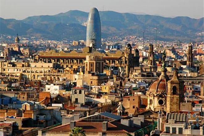 Испанская авиакомпания запустит 76 новых рейсов из Барселоны
