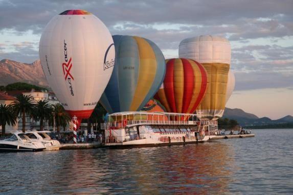 В Черногории прошел фестиваль воздушных шаров