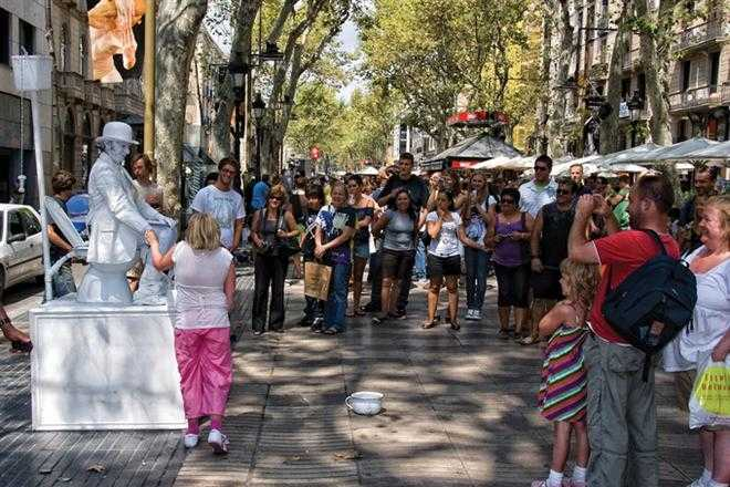Туристы больше не смогут купить птичку на бульваре Рамбла в Барселоне