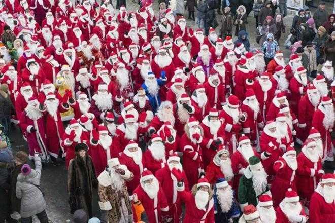 Туристам в зимней Ялте покажут парад Дедов Морозов