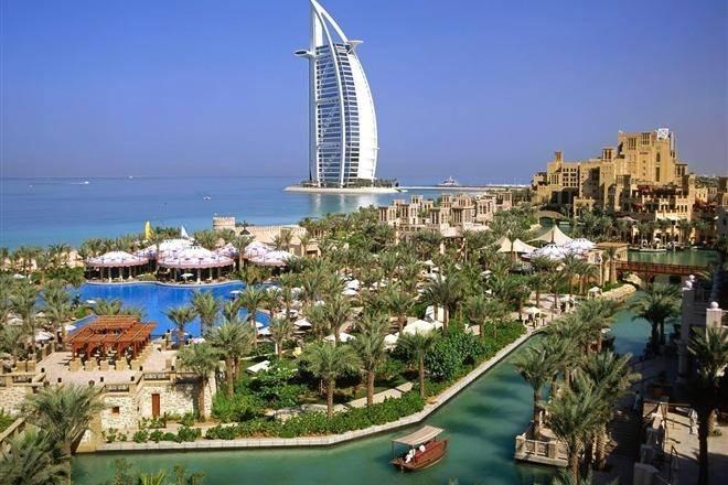 В Дубае сложили крупнейшую в мире мозаику из шоколадных трюфелей