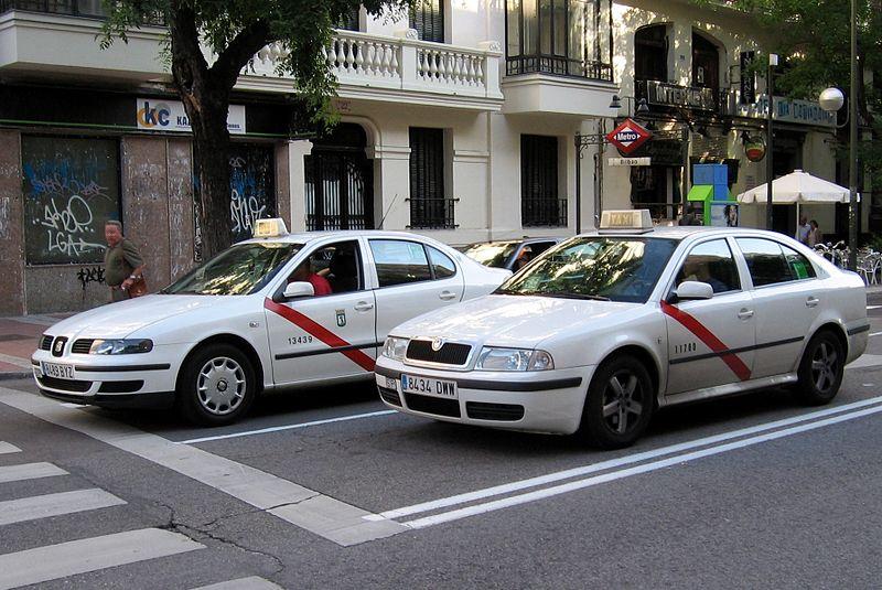 На автомобилях такси в Мадриде появится реклама