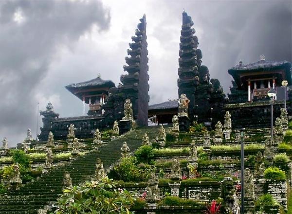 Число российских туристов, посетивших Индонезию, возросло на 14%