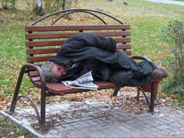 Заплати и спи на скамейке: гостям Сиэтла предложили бомж-тур