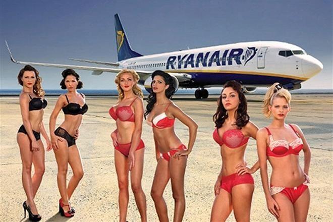 Эротический календарь Ryanair запрещен судом