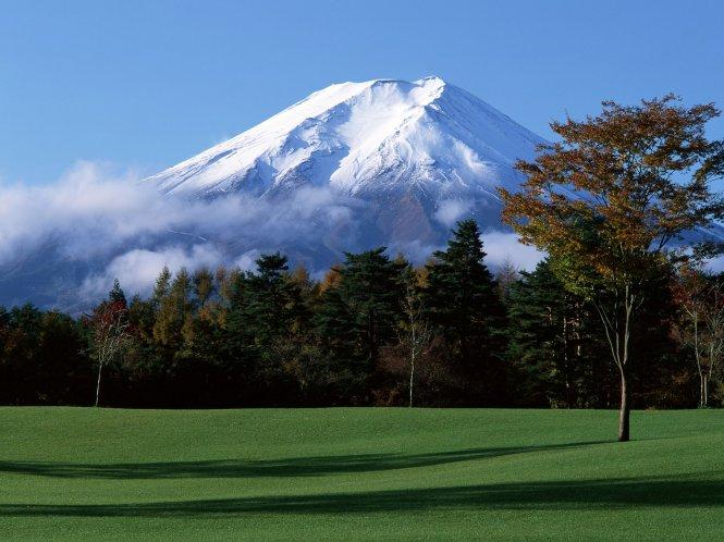 В Японии в будущем году восхождение на гору Фудзи станет платным
