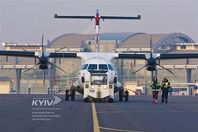 Жуляны открыли рейсы в Латвию