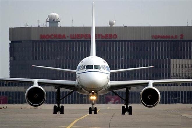 Российские авиалинии на месяц отменили рейс из Москвы в Киев