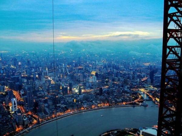 Шанхай с высоты второго по высоте здания мира