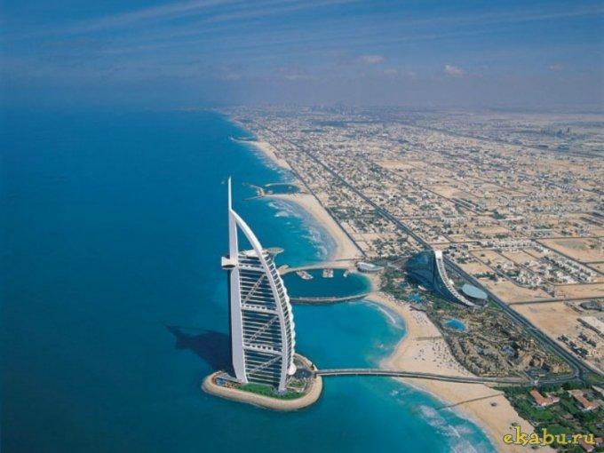 В Дубае из-за непогоды закрылась фестивальная деревня «Глобал Виллидж»