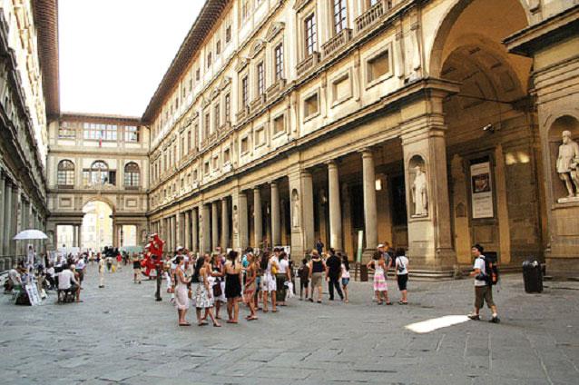 В знаменитой флорентийской галерее Уффици были открыты дополнительные залы