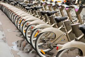 Власти Парижа отчитались о сломанных велосипедах