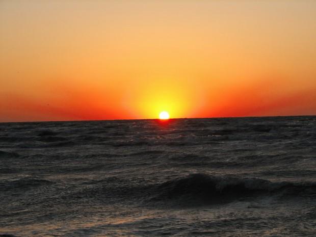 В Азовском море пропал катамаран с туристами