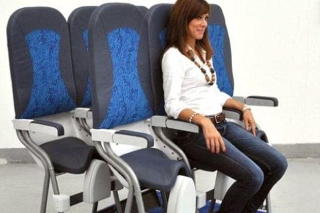 В Самолетах США введут места для  для стоячих пассажиров