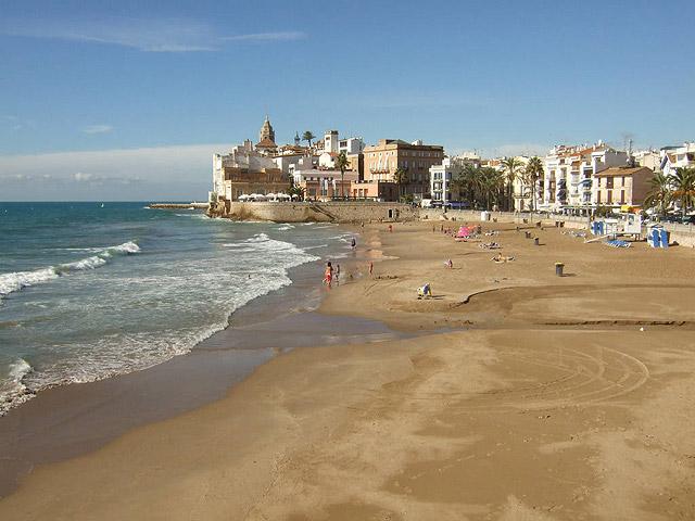 Бесплатный кинотеатр открылся на одном из пляжей Барселоны