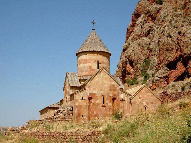 Поток туристов в Армению увеличился
