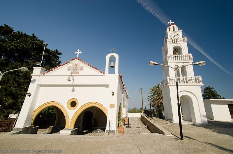 Все больше и больше туристов ищут отдых для души в монастыре
