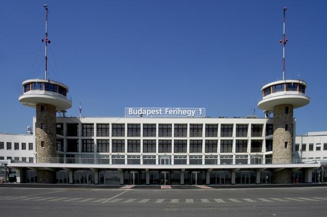 В аэропортах Будапешта больше не будет очередей