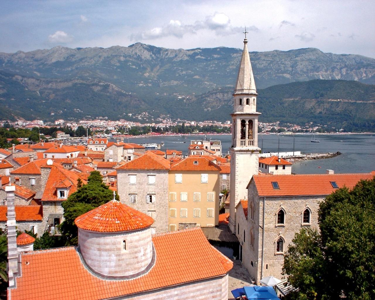 Туристы из России стали чаще посещать Черногорию