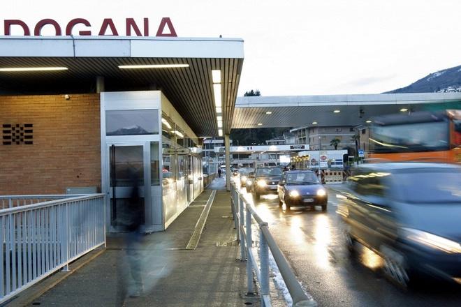 Правительство Испании считает необходимым внести поправки в Шенгенское соглашения и ввести пограничный контроль между странами