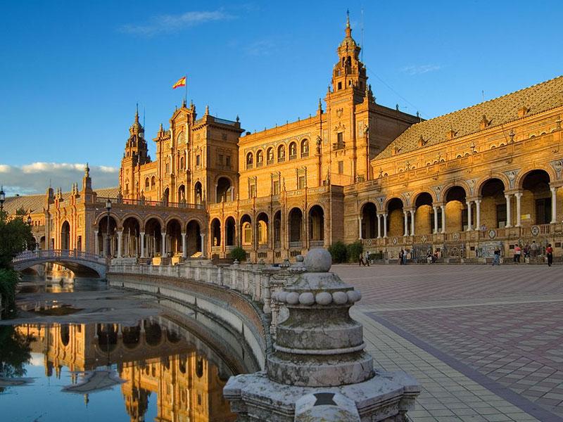 Российские туристы стали реже посещать Испанию