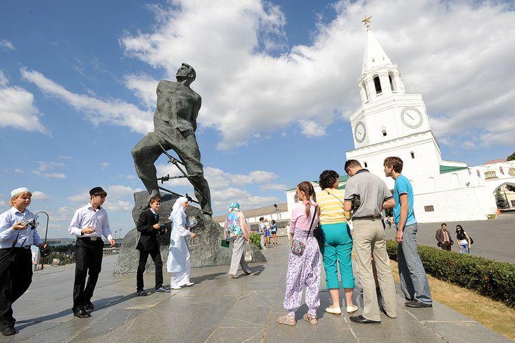 Около 70 тыс. туристов, посетивших Казань в новогодние праздники, принесли столице Татарстана свыше 1 млрд рублей дохода