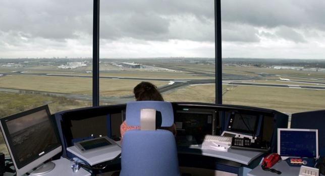 Сотрудники Национальной службы обеспечения полетов гражданской авиации Италии ENAV в пятницу проведут четырехчасовую забастовку