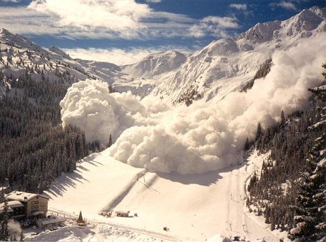 Повышенная опасность схода лавин прогнозируется в нескольких районах Камчатского края