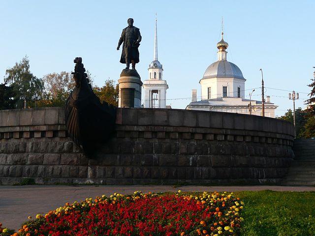 Облик центральной пешеходной зоны Твери — улицы Трехсвятской и бульвара Радищева — планируется кардинально изменить.