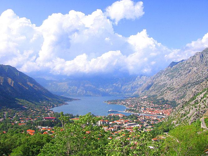 Россияне стали чаще путешествовать по Черногории