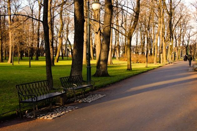 Летний и Михайловский сады в Петербурге открылись 1 мая после просушки